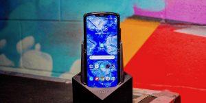 Unboxing the Motorola Razr: Take a peek inside this foldable phone's box
